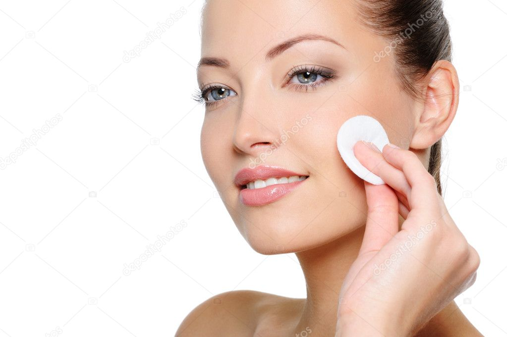 depositphotos_1543713-stock-photo-woman-cleaning-her-face